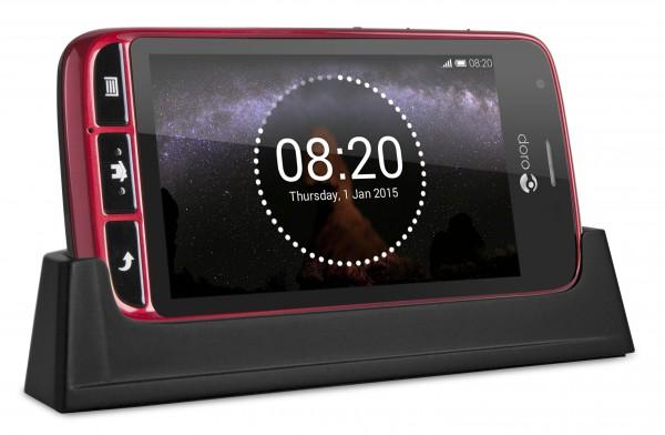 Doro-Liberto-820-mini-red-in-charger-clock-display-600x392