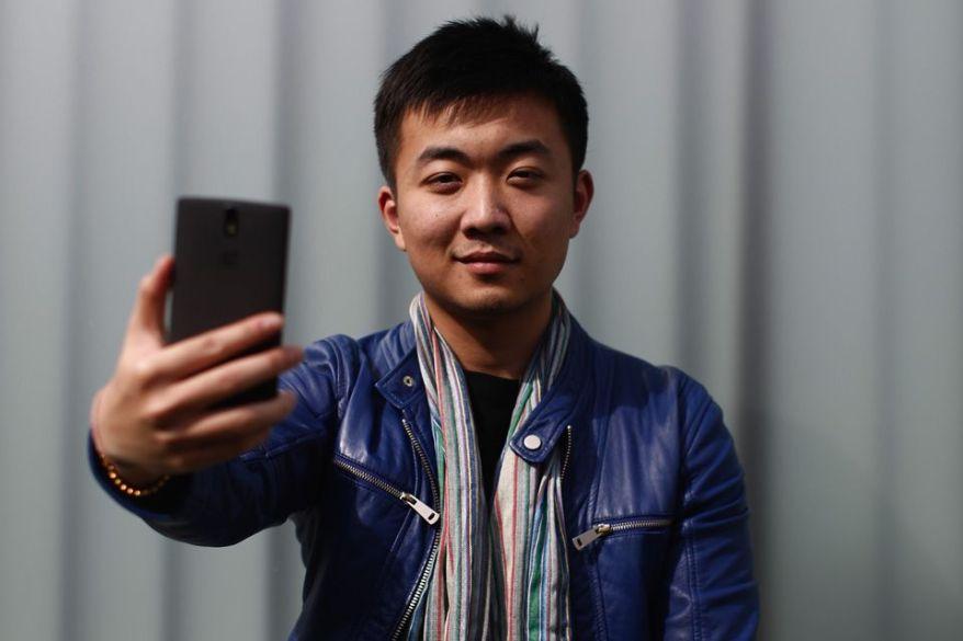 El señor Carl Pei, cabeza visible y responsable de uno de los smartphones chinos más famosos de la actualidad. El One Plus 2