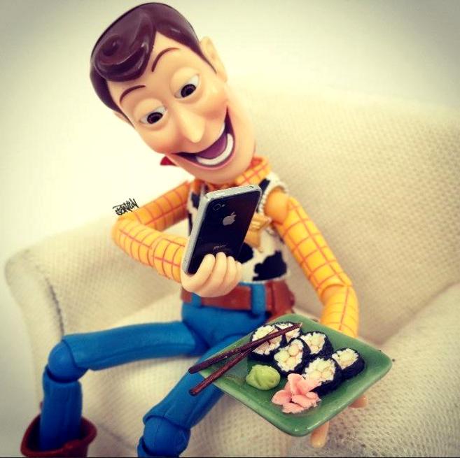 Social-Media-Woody